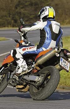 Test KTM 990 Supermoto | MOTORRADonline.de