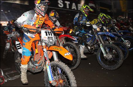 Blazusiak siegt beim Indoor Enduro in Lodz