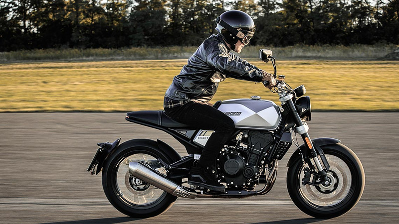 Ducati Streetfighter V4 | Tourenfahrer