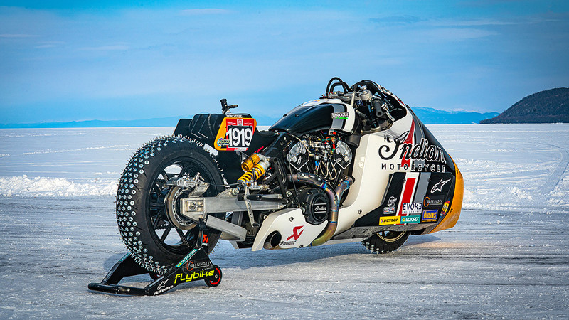 Indian Appaloosa beim Baikal Mile Ice Speed Festival