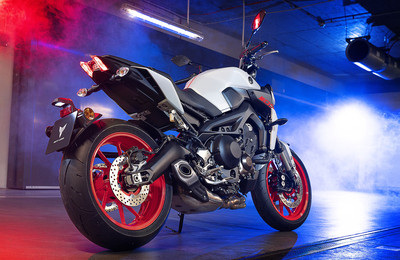 Yamaha MT-09 in »Ice Fluo«