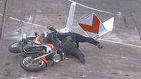 Dekra-Crashtest mit flexiblen Kurvenleittafeln von Beilharz Straßenausrüstung