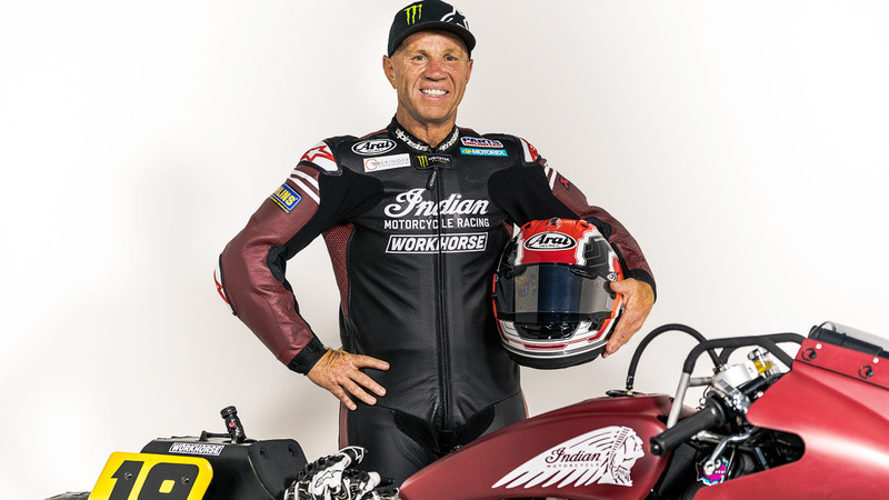 Indian Scout Bobber Appaloosa mit Randy Mamola