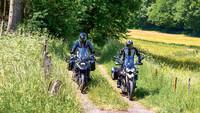 Moto Guzzi V85 TT Travel / Suzuki V-Strom 1050XT  – TOURENFAHRER 8/2021