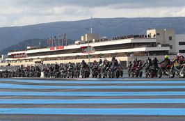 Ducati-Monster-Parade auf dem Circuit Paul Ricard