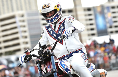 Travis Pastrana repeats Evel Knievel's Jumps